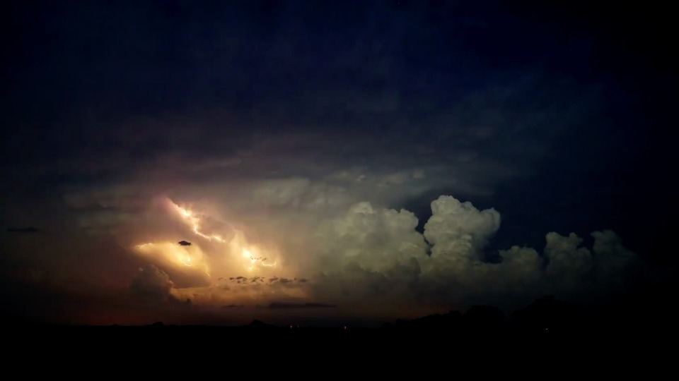 After Rains Fog Rolls Into Madison >> Timelapse Shows Tornado Producing Supercell Over Kansas Weatherbug